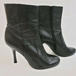 Calvin Klein Size 7.5 M Black Leather Ankle Boots